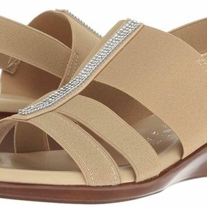 Italian Shoemaker CACHE Bling Sandal NEW 7 WIDE